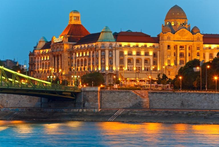 hundary-budapest-gellert-hotel-spa-baths