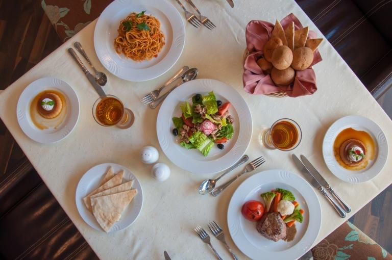 france-cuisine-table-horizontal-dinner-food