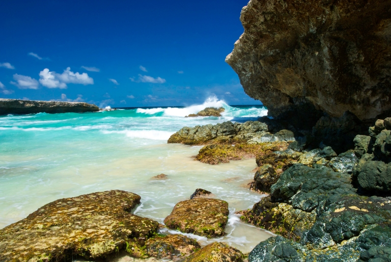 Surf_at_Boca_Prins_on_Island_of_Aruba_Arikok_National_Park_caribbean.jpg