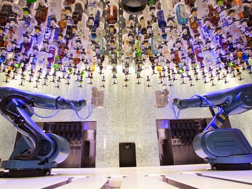 royal caribbean oasis class bionic bar