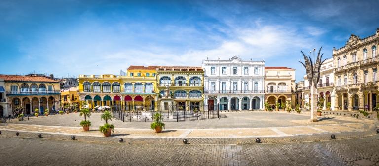 Cuba-Havana-Plaza Vieja-panorama.jpg