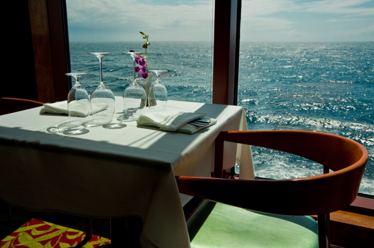 dining-table-on-cruise-ship-with-ocean-view