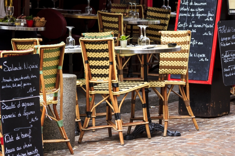 france-paris-cafe-outdoor-seating-restaurant.jpg