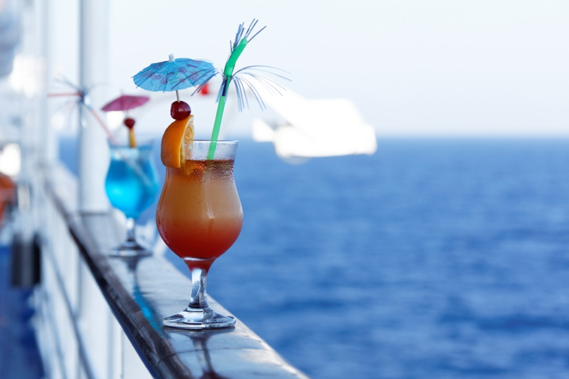 Top 8 Absolute Best Bars at Sea