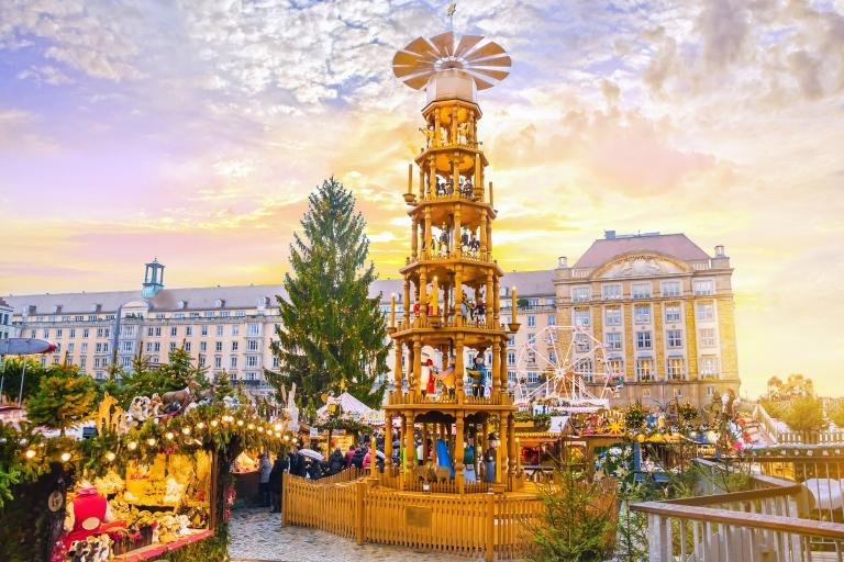 Christmas_market_Striezelmarkt_Dresden_Germany.jpg