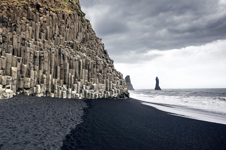 iceland_vik_black_sand_beach.jpg