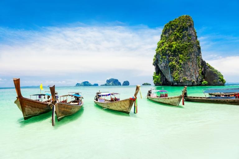 thailand-phuket-beach-5-boats-and-island
