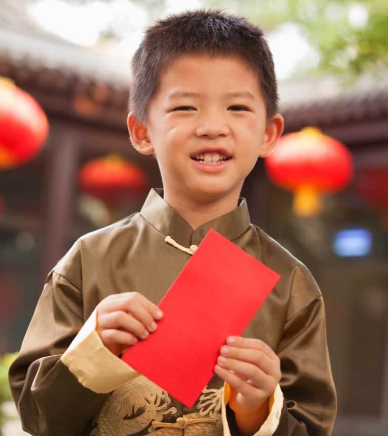 China-Chinese-New-Year-boy-red-envelope